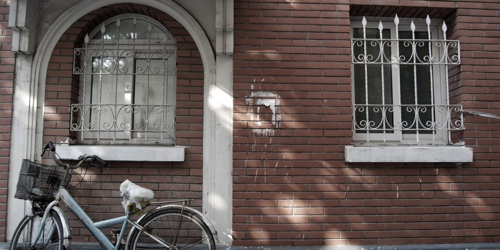 Old brick houses and street photography