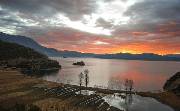 Morning Lakeside Sunrise